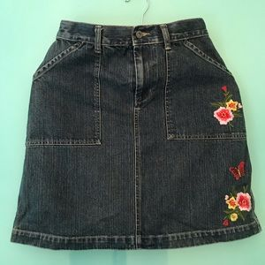 Dresses & Skirts - Jean skirt with embroidered flowers